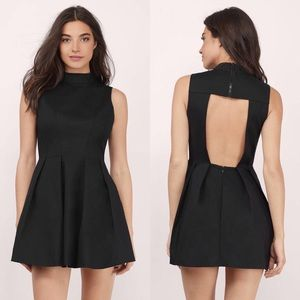 Tobi A-Line Skater Dress Back Cutout Sz S